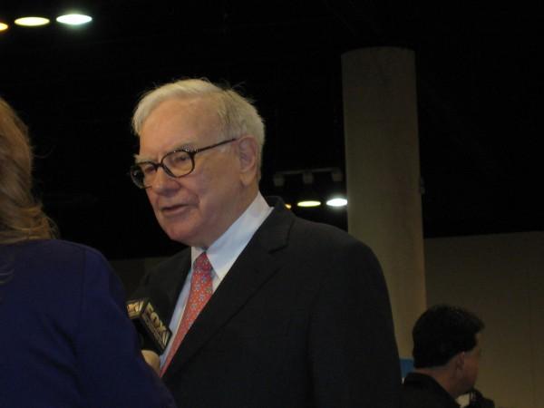 Warren Buffett auf seiner Hauptversammlungen in Omaha. Das Foto machte ich vor einigen Jahren von ihm.
