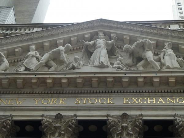 New York Stock Exchange. Das schöne Gebäude an der Wall Street dient eher repräsentativen Zwecken. Der Großteil des Handels wird mittlerweile elektronisch abgewickelt.