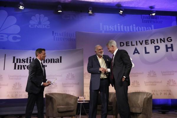 Carl Icahn und Bill Ackman 2014 auf der Delivering-Alpha-Konferenz des Börsensenders CNBC. Foto: Heidi Gutman/CNBC.