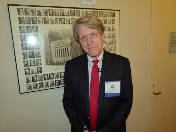 Nobelpreisträger Robert Shiller in New York: Er witzelt gerne. Und spricht sehr gut Deutsch. Der Professor rät seinen Studenten: Sei sparsam, lege Geld zurück, wenn Du den ersten Job bekommst.