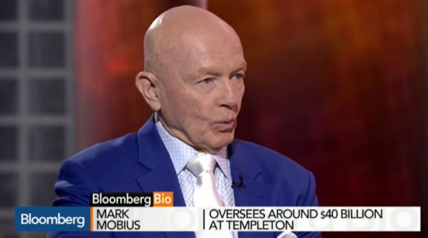 Mark Mobius: Der berühmte Fondsmanager von Templeton, der 40 Milliarden Dollar managt, läuft seit Jahren der Benchmark hinterher. Ist seine Erfolgssträhne zu Ende? Bloomberg schrieb sehr kritisch über ihn. Foto: Bildschirmfoto Bloomberg TV