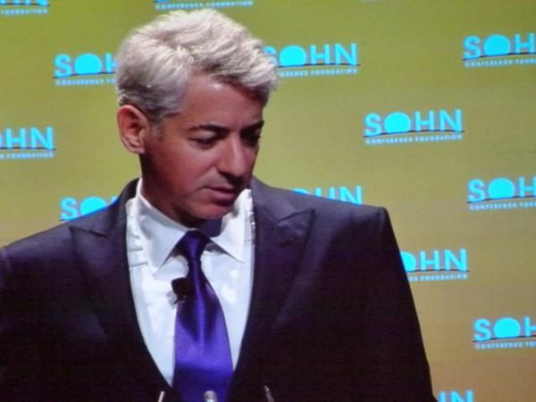 Bill Ackman: Der Hedgefondsmann nimmt seine Transaktionen im Vorfeld unter die Lupe. Intensive Recherchen lässt er anstellen. Keinerlei Schnellschüsse wagt er.