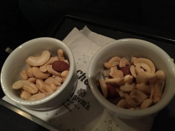 Es gab warme Nüsse als Vorspeise.