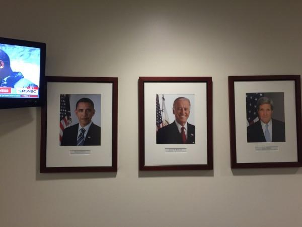 Präsident Barack Obama, Außenminister John Kerry und Vize-Präsident Joe Biden: Sie wollen Frieden in der Welt. Doch haben westliche Staatsmänner wie sie ein Problem mit Despoten zu verhandeln. Wenn Menschenrechte mit Fßen getreten werden, wie wollen sie da verhandeln?