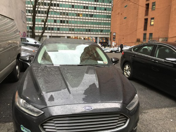 Hans Sparsam fährt einen alten Ford. Er möchte ihn bis zum bitteren Ende.