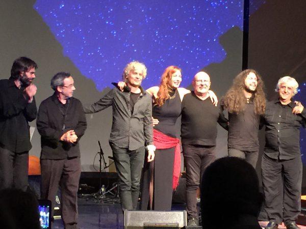 Ute Lemper auf der Bühne.