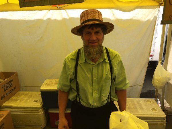 Mein Amisch-Freund von tribeca. Bei ihm kaufe ich Brot und Käse. Alles Bio. Alles lecker. Alles gut.
