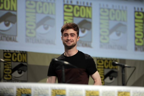 Hollywood-Star Daniel Radcliffe hat sein Honorar aus den Harry-Potter-Filmen komplett gespart - für später. Er ist ein sparsamer Menschen. So hat er weniger Druck, sagte er Ende September einer Zeitung. Clever! (Flickr-Foto: Gage Skidmore).